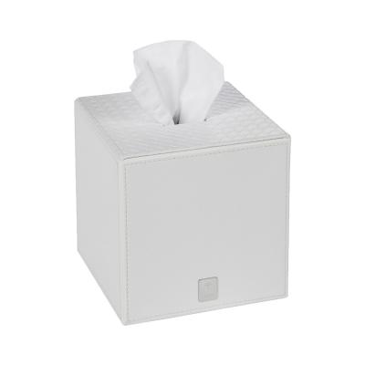 Chustecznik kwadrat biały