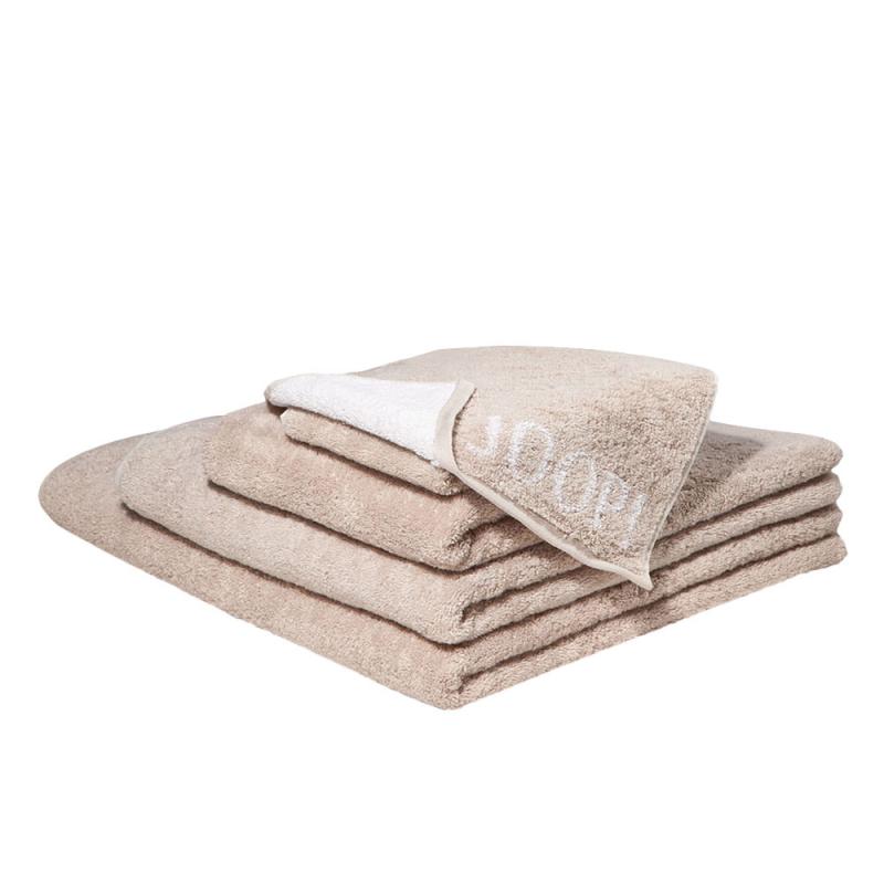 Ręcznik beżowy JOOP! Sand Classic/Doubleface 1600
